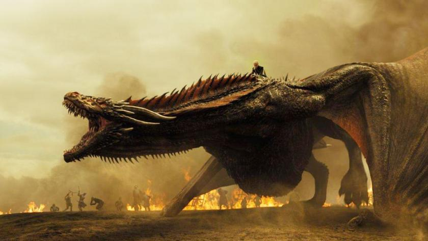 "Emilia Clarke und ihr Drache in ""Game of Thrones"""