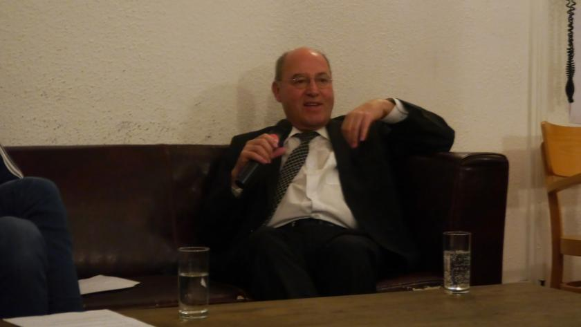 Gregor Gysi im Interview